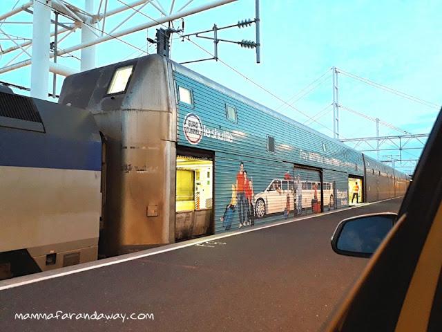 macchina in treno su eurotunnel