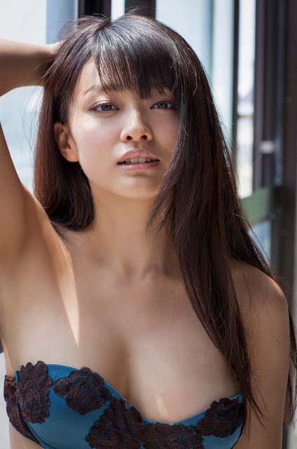Mari Yamachi 山地まり Sexy Lingerie Images 16