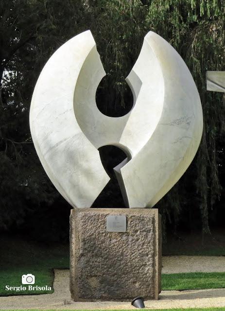 Close-up da Escultura Tensão - MAB-FAAP - São Paulo
