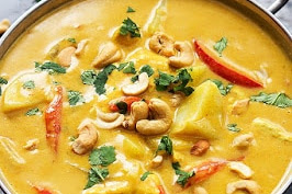 Slow Cooker Coconut Curry Cashew Chicken Recipe