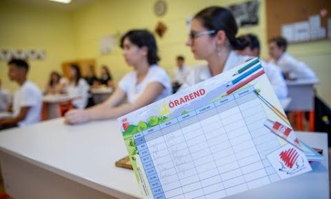 Megbírságolták a román oktatási minisztériumot, mert nem javította a román nyelv oktatásának módszerét a kisebbségi diákoknak