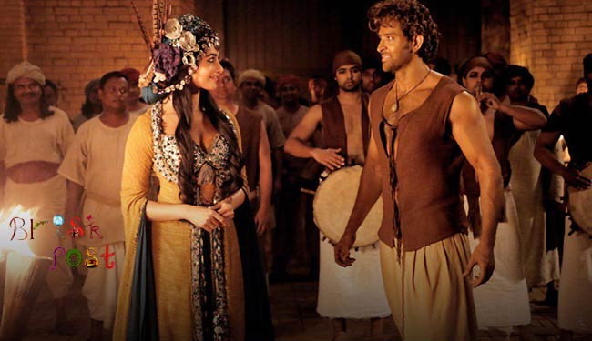 Hrithik Roshan and Pooja Hegde looking at each other in the Robust Love Story of Ashutosh Gowariker's Mohenjo Daro