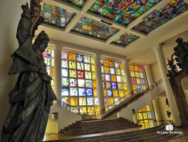 Fotocomposição com elementos do Hall principal do MAB-FAAP - Higienópolis - São Paulo