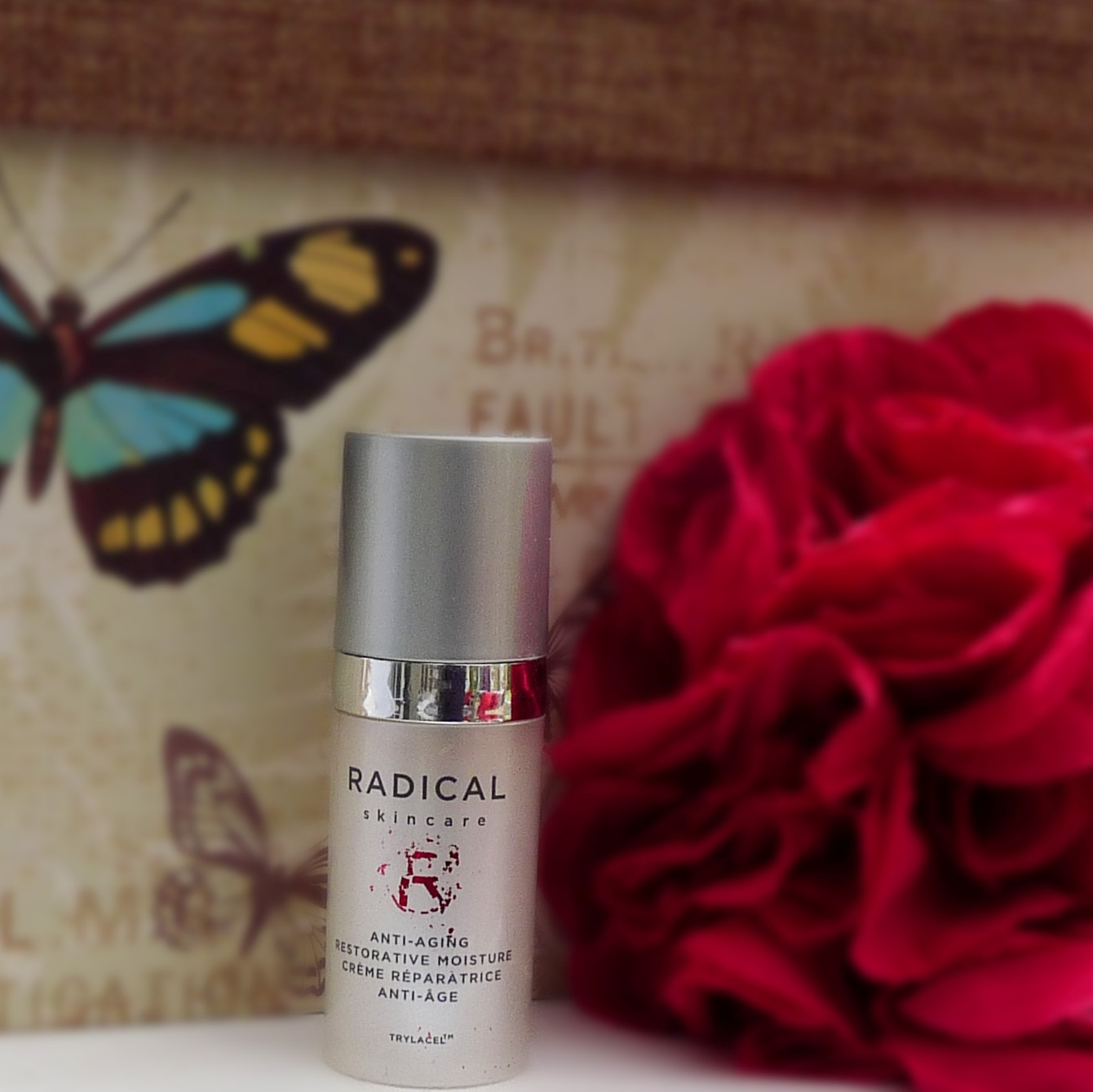 Review Radical Skincare Anti-Ageing Restorative Moisture Crème