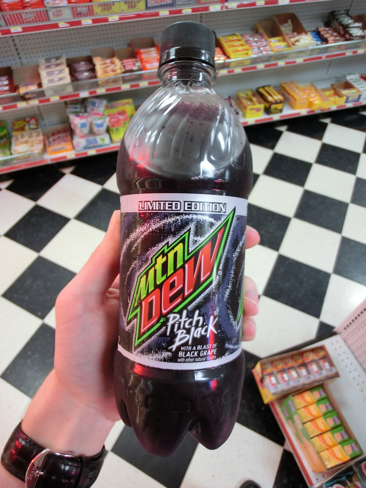 Drinkable Review: Mountain Dew: Pitch Black