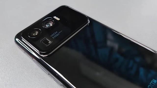 இரண்டாவதாக பின்புறம் ஒரு சிறிய டிஸ்ப்லே உடன் மிக பெரிய கேமரா செட்டப்,  Xiaomi Mi 11 Ultra லீக்