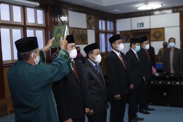 Lima Anggota KI NTB Dilantik Ibu Wagub