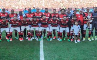 Guerrero brilha, Flamengo bate Fluminense e é campeão estadual