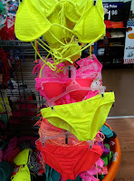 bikini set halter crochet white black pink orange neon yellow H&M flip-flops sunglasses shopping haul