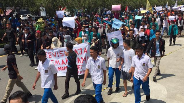 Polisi Sebut Anak STM Dibayar Rp 50 Ribu Buat Rusuh, Ombudsman: Tidak Benar