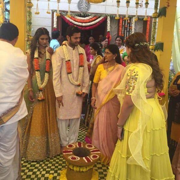 nithiin-shalini-engagement-ceremony-will-get-married-in-april-kpj