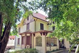 Casarão antigo estilo Normando na Rua Itapeva