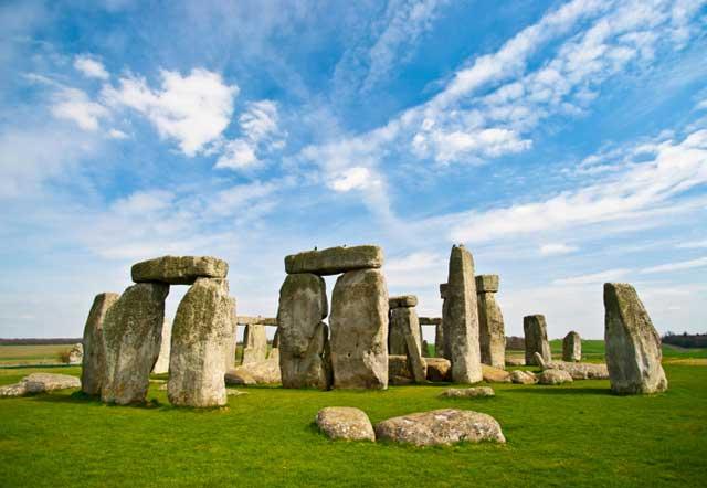 Pembangunan Stonehenge yang Misterius