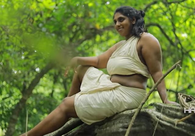 Mallu Model Hasee Quazi Hot Pictures (Haseena Haseem) Navel Queens