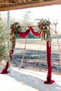 Weihnachtsrote Hochzeit