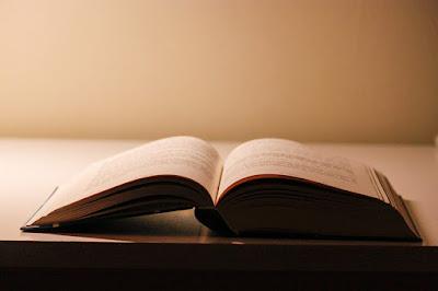 5 Cara Membuat Judul Novel Supaya Menarik Perhatian Pembaca
