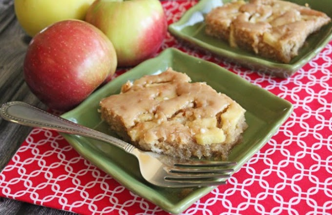 Caramel Apple Sheet Cake #desserts #cake