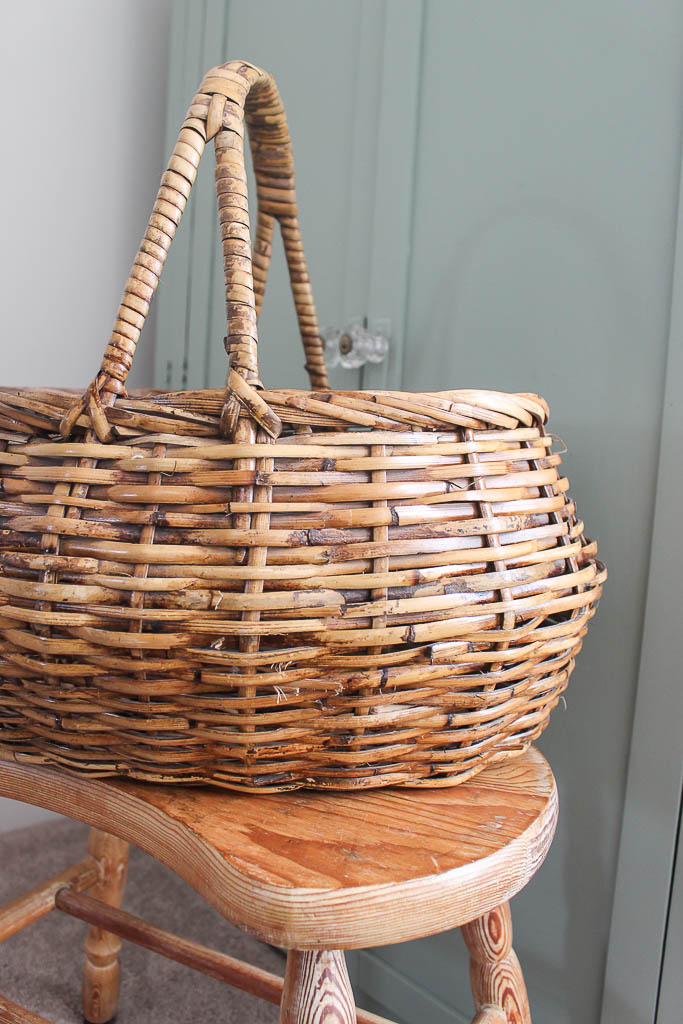 how to paint an old basket