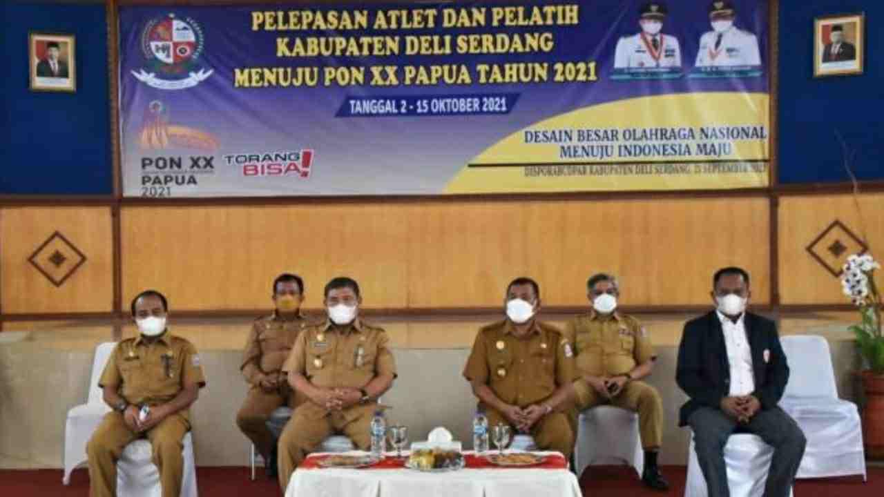 H. Ashari Tambunan Lepas Atlet Dan Pelatih Deli Serdang Ke PON XX Papua Tahun 2021