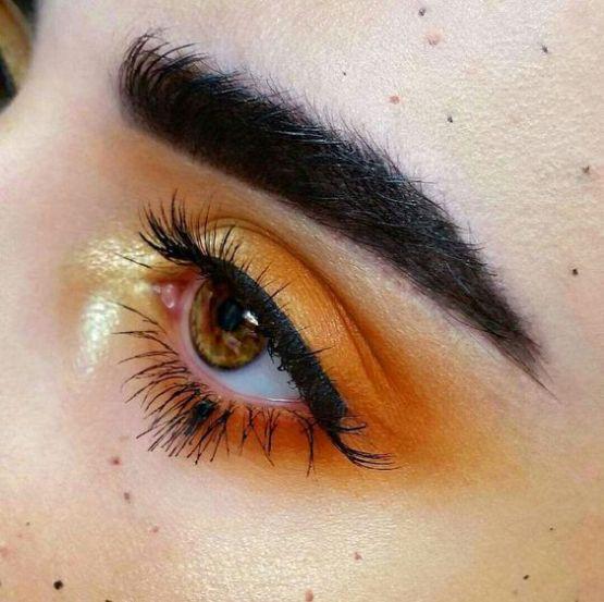 É importante ter ideias de sombras para deixar a maquiagem bem bonita e criar sombras novas também. A sombra tem o papel importante de marcar os seus olhos. Tem muitos tipos de sombra, como sombra creme, cintilante, liquida, fosca, opaca, entre outras... Saber escolher o tipo e a cor da sombra faz toda a diferença. Separamos 10 tipos de sombras lindas para te deixar maravilhosa. #maquiagem #makeup #make #beauty #sombra #shadow #eyes #eyelashes #woman #Cut Crease #nude #girls