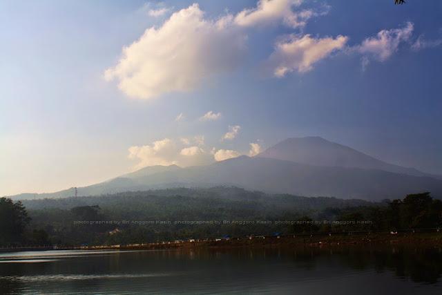 view arah Gunung Ceremai.