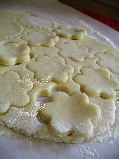 la ricetta della pasta frolla per fare i biscotti