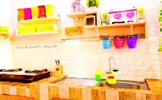 Dapur Penuh Sentuhan Warna