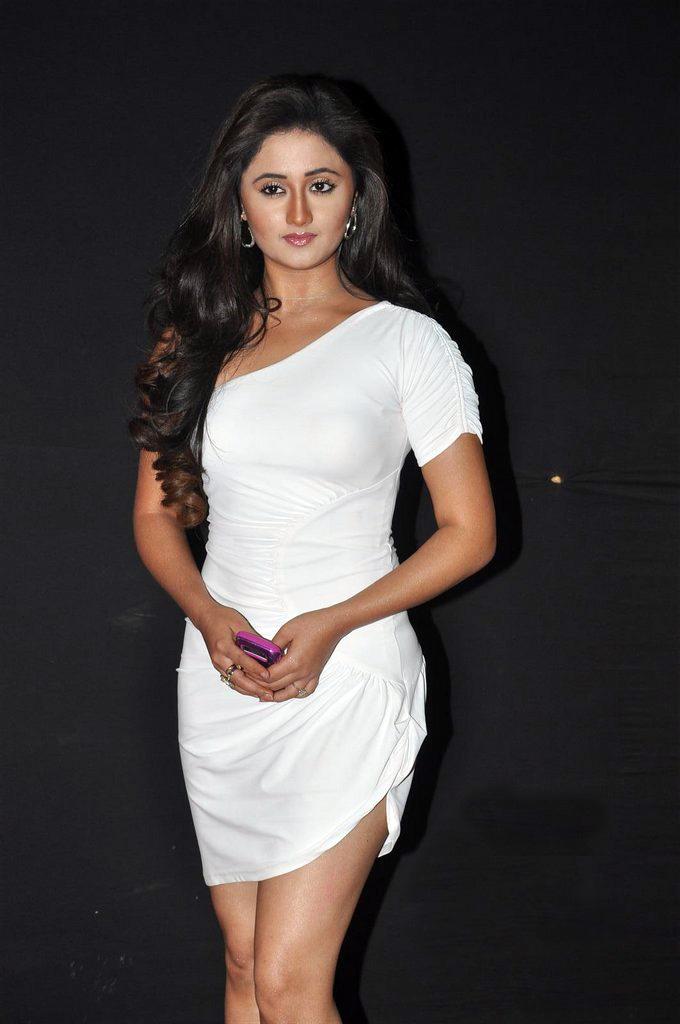Rashmi Desai Hot Baby Bollywood Actress Wallpaper Free -2275