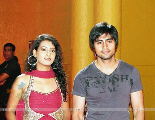 IS ADITI GUPTA DATING WITH HARSHAD CHOPRA
