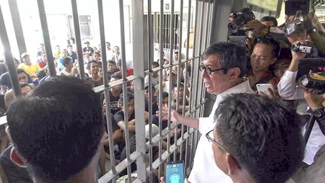 Yasonna Bebaskan Napi, Polri Malah Mau Pidanakan Penghina Jokowi saat Corona