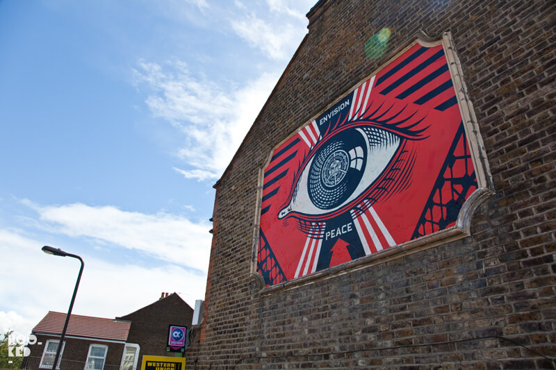 Shepard Fairey paints a London mural in Turnpike Lane.