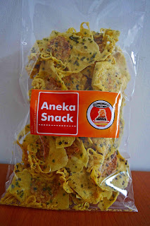 Peluang usaha menjadi distributor snack 2000 an, kiloan atau curah seperti keripik singkong, kentang, opak, emping dll