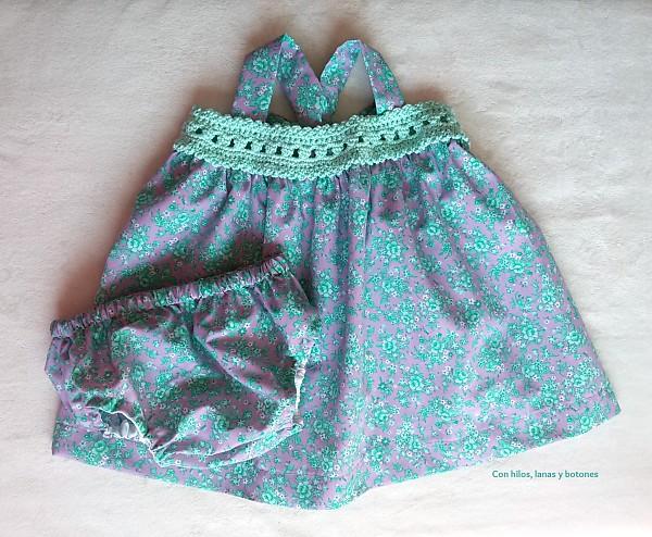 Con hilos, lanas y botones: vestido con canesú de ganchillo para bebé | baby crochet + fabric dress