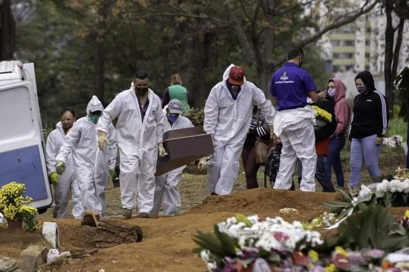 Brasil registra 3.427 mortes por coronavírus nesta quarta-feira