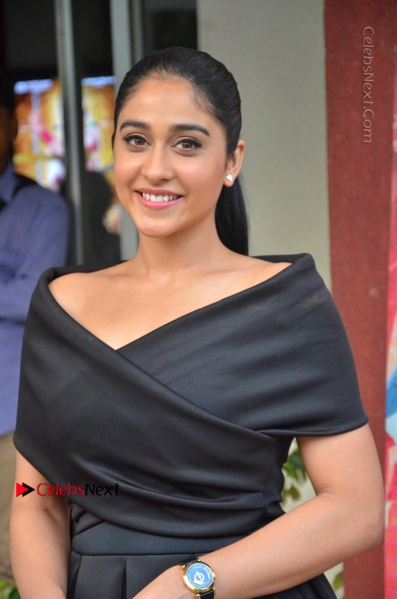 Regina Cassandra Photos in Beautiful Black Short Dress at Saravanan Irukka Bayamaen Tamil Movie Press Meet