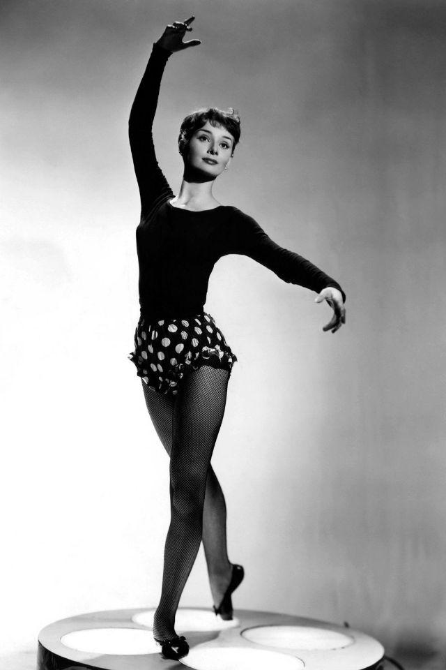 7 Best Audrey hepburn images in 2018 | Audrey hepburn ballet