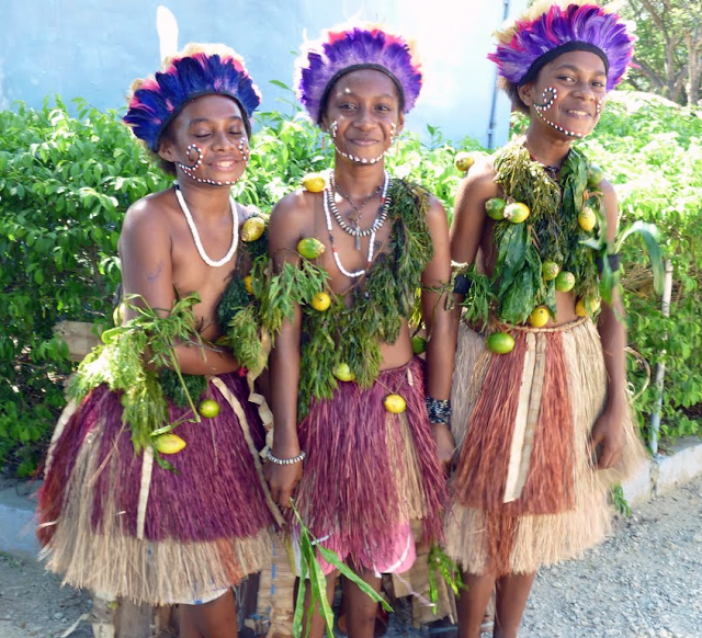 Papua New Guinea Women Traditional Dress