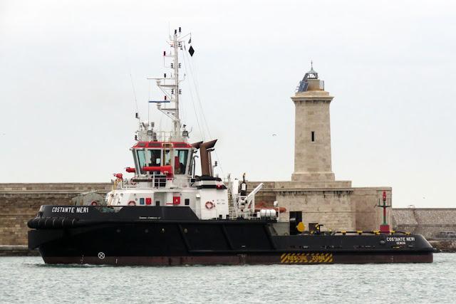 Tug Costante Nero, IMO 9443750, port of Livorno