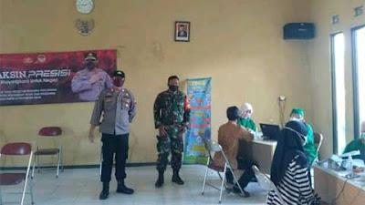 TNI - Polri Bersinergi Sukseskan Vaksinasi di Wonosobo
