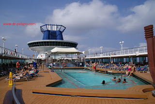 pullmantur monarch piscina