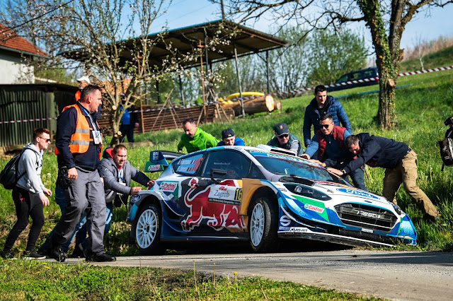 Adrien Fourmaux rally crash