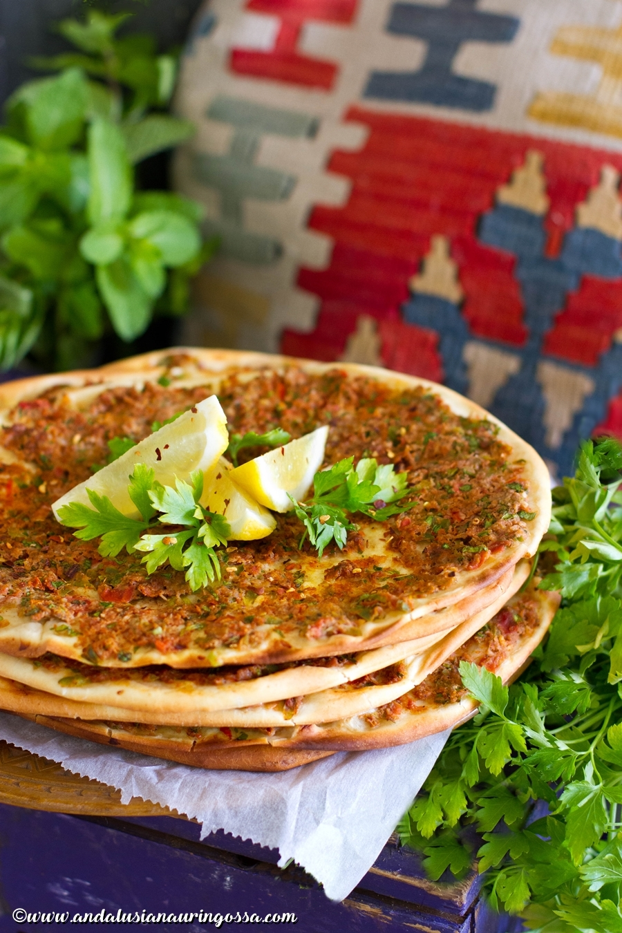 Lahmacun_Turkish pizza_turkish street food_recipe_kosher_glutenfree_Under the Andalusian Sun_foodblog_travelblog_4