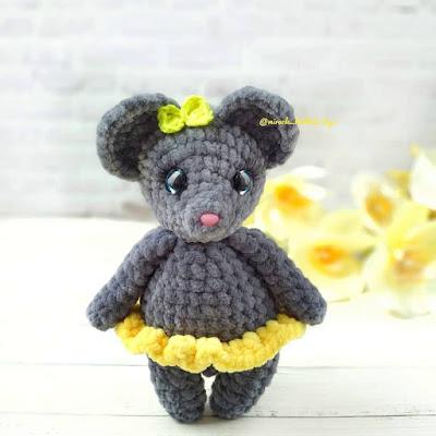 Вязаная мышка Люси