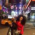 Simone Sampaio passa temporada nos EUA para aperfeiçoar o inglês
