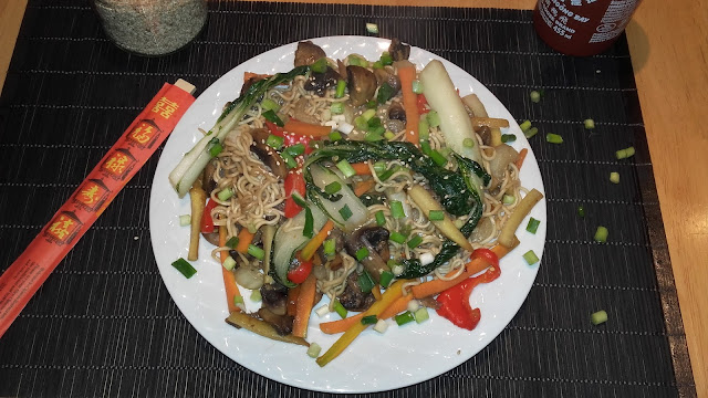 vegan pad thai noodles with veggies