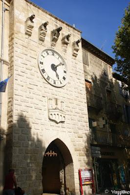 La porta di accesso al centro storico di Sommieres