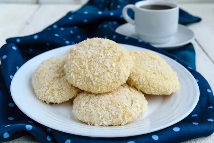 How to prepare coconut biscuits