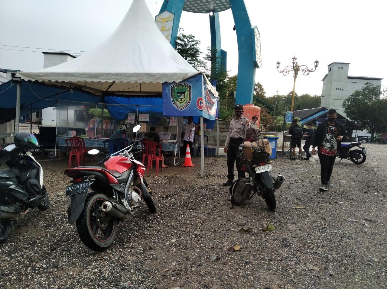Tim gabungan Lakukan Pemeriksaan Kesehatan Di Posko Gugus Tugas Kecamatan Gunung Timang