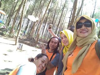 Selfie di Hutan Pinus Precet, Wagir, Malang