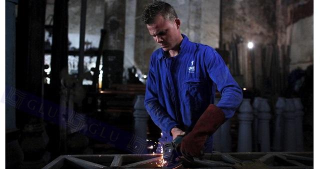 Đồng phục chịu nhiệt dành riêng cho những ai phải làm việc trong môi trường có nhiệt độ cao